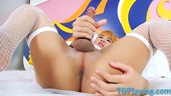 Ladyboy Jerks Off Her Cock Till She Cums