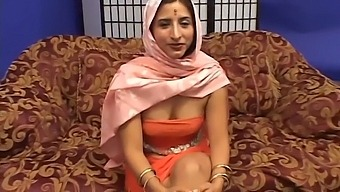 Indian Married Couple From Rajasthan Needs Money And Is Doing A Porn Casting In The Usa