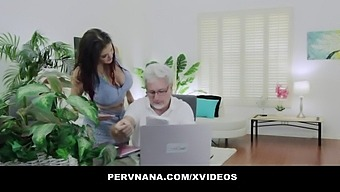 Mature Woman (Coralyn Jewel) Takes A Fat Cock