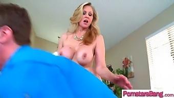 Monster Cock Dude Bang Hardcore A Pornstar (Julia Ann) Vid-17