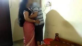Desi Village Bbw Bhabi Open Her Sharee