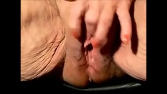 Very Old Granny With Huge Clit