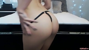 Pawg Teen Blonde Fucks Her Daddy