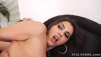 Deep Nasty Anal For Valentina Nappi