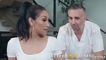 Brazzers - (Vicki Chase) - Porno Video
