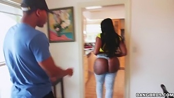 That Big Ass On Victoria Cakes Is Out Of This World (Bkb15116)