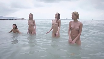 4 Nude Girls Doing Fotoshoot At Beach